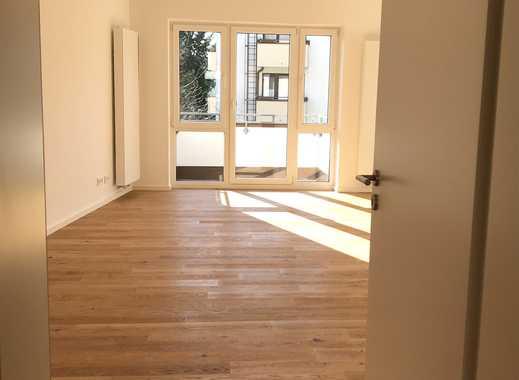 *Erstbezug nach Sanierung - sonnige Wohnung - 2 Balkone - offene Küche - tolles Bad - Eichenparkett*