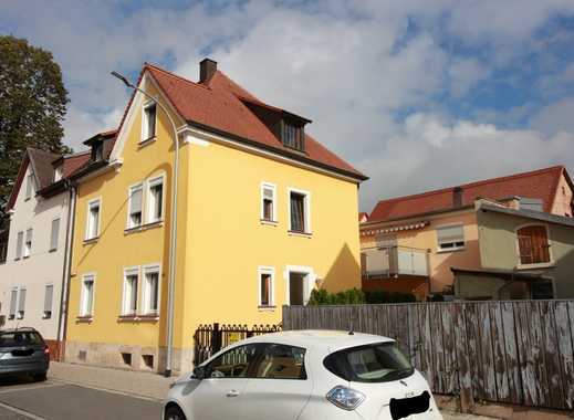 AUFGEPASST! Teilsanierte 2,5 Zi.- Whg. in Forchheim mit ca. 82 m² Wfl.