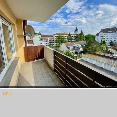 Neu renovierte 2-Zimmerwohnung mit Balkon und Aufzug in Nbg. Schweinau in Hohe Marter (Nürnberg)