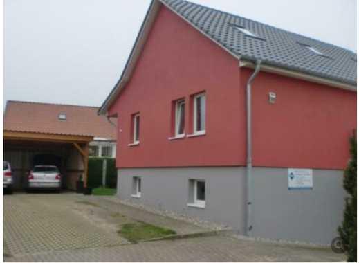 Hübsches Einfamilienhaus mit Garten und separater Einliegerwohnung