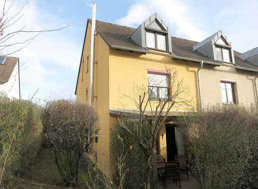 Reiheneckhaus in attraktiver Wohnlage mit Garten und TG-Stellplatz!