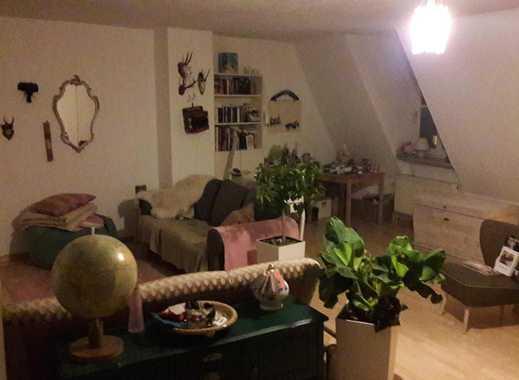 Außergewöhnliche 1.75 Zimmerwohnung mit eigener Dachterrasse