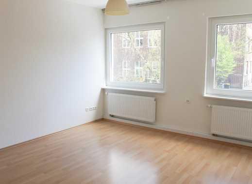 Günstige, modernisierte 2-Zimmer-Wohnung mit Balkon und Einbauküche in Ehrenfeld, Köln