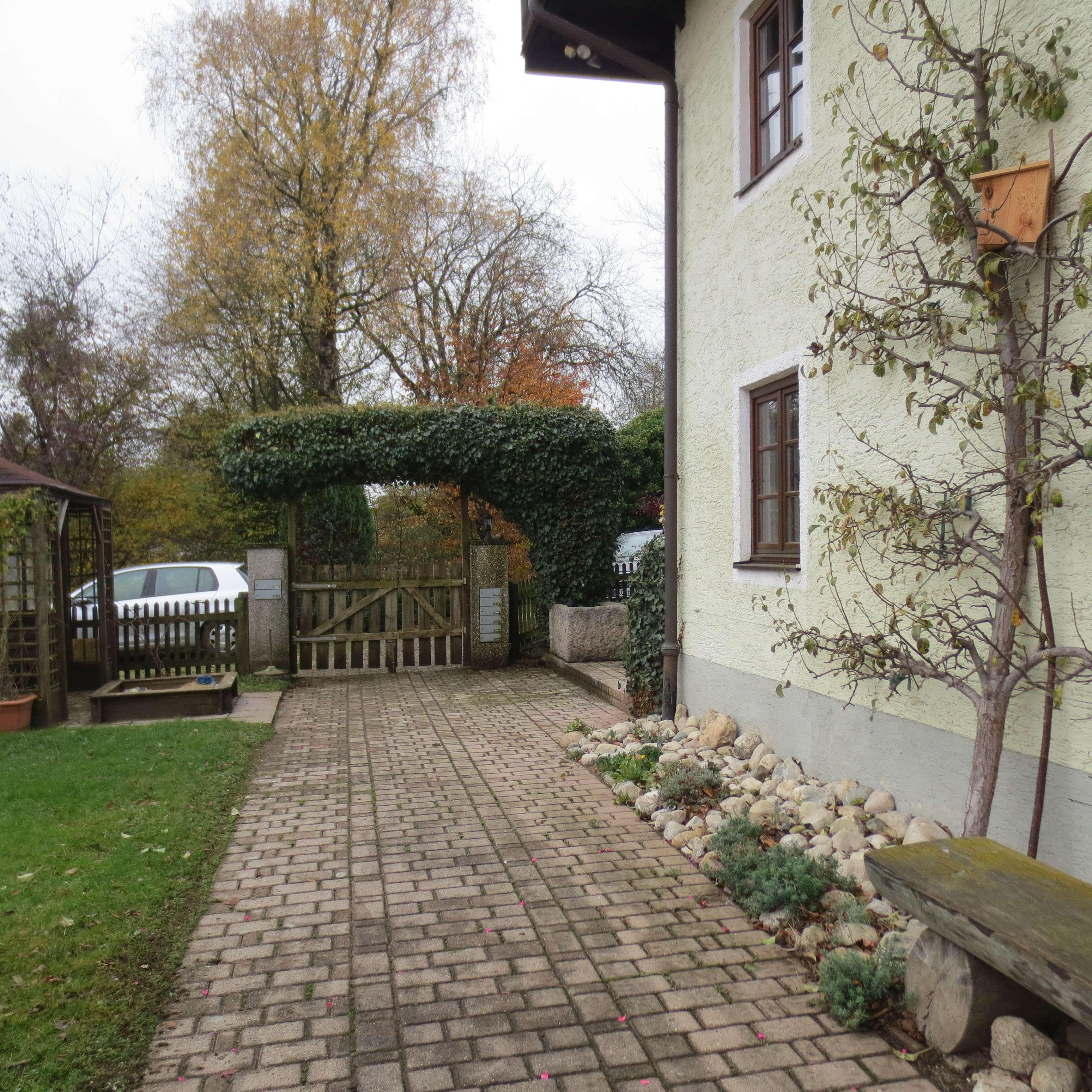 Ruhig gelegene 4-Zimmer-Maisonette-Wohnung mit Balkonterrasse*ländlich im  Ortsteil Hemhof in Bad Endorf