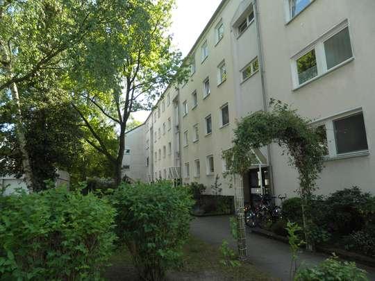Sanierte 2-Zimmer Wohnung mit Balkon in Groß Buchholz, Tischbeinstr. 4