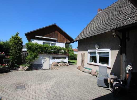 Doppelhaushälfte plus einem kleinen Einfamilienhaus für die Großfamilie oder Kapitalanleger