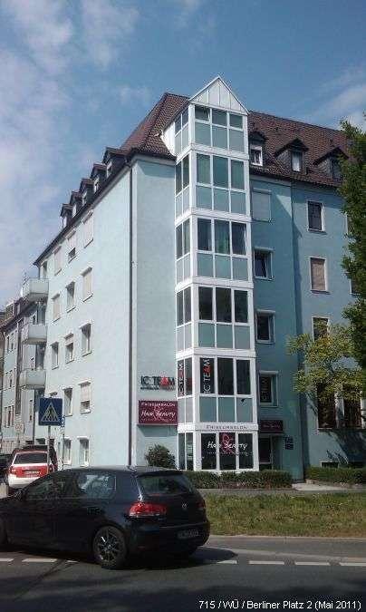 Schöne 2-Zimmer Dachgeschoßwohnung im Zentrum in Haug (Würzburg)
