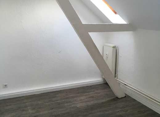 Große 3,5 - Zimmer-Dachgeschosswohnung in Zentrumsnähe von Mönchengladbach!!