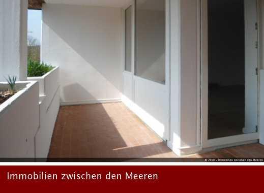Erstbezug nach komplett Renovierung: 3 Zimmer-Wohnung  mit Loggia