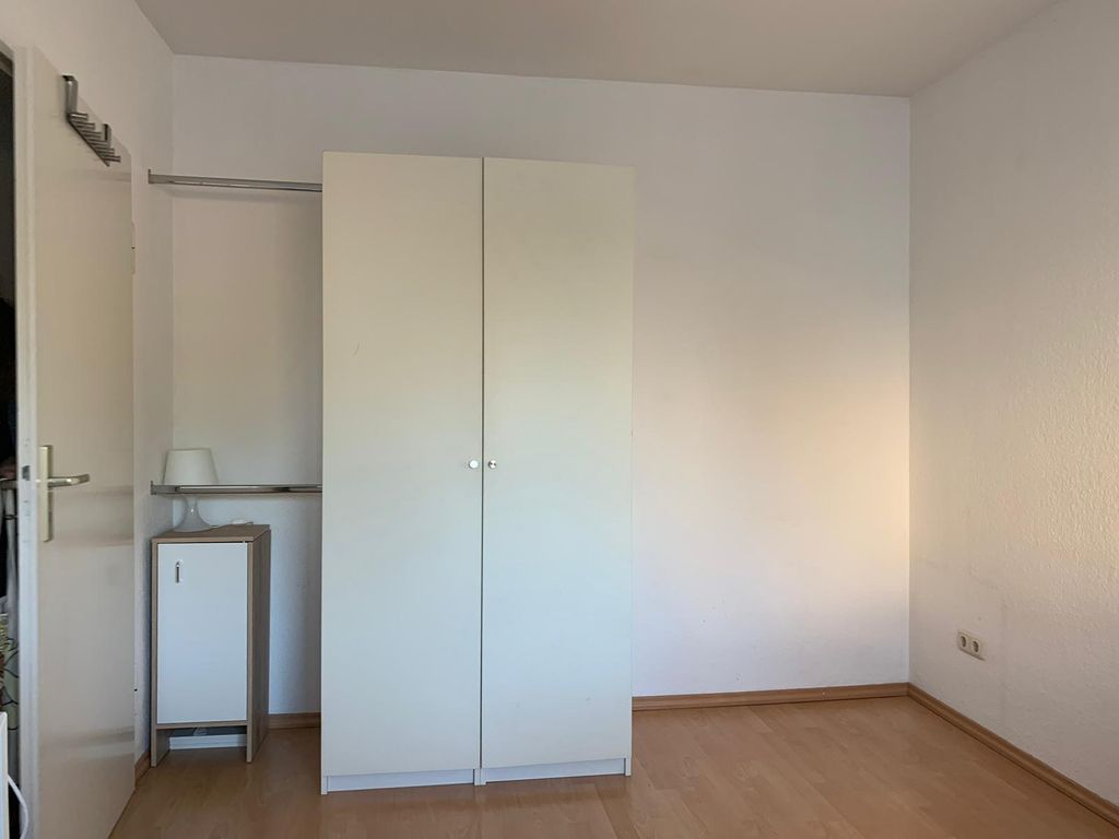 gem tliche 1 zimmer wohnung in frankfurt r delheim. Black Bedroom Furniture Sets. Home Design Ideas