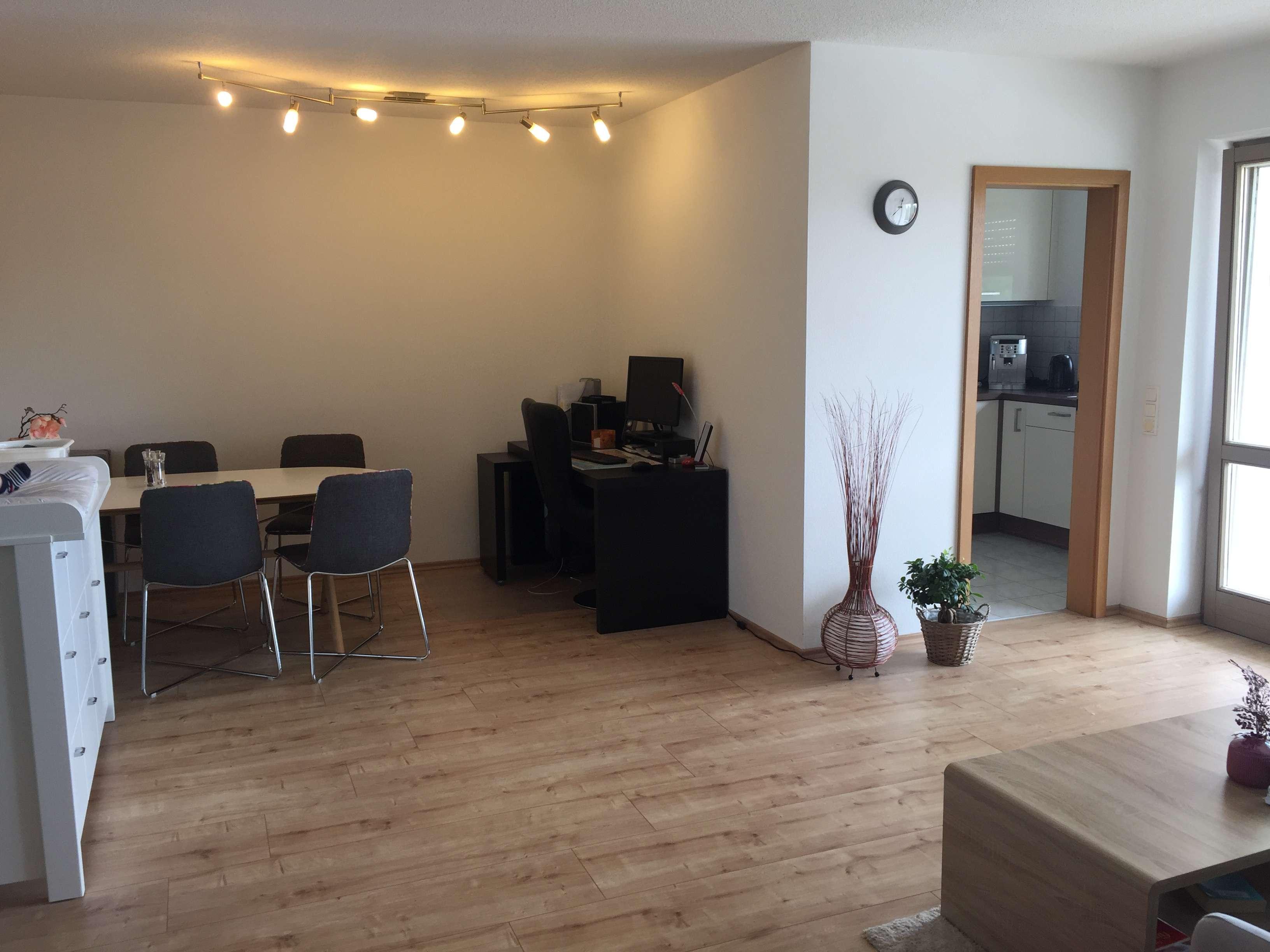 Helle 2-Zimmer-Wohnung mit Balkon in guter Lage