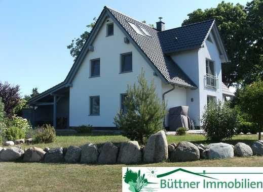 ***Attraktives Niedrigenergiehaus mit 2 Wohneinheiten in Glowe auf Rügen***