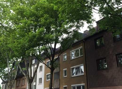 Grün gelegen, kompl. renoviert, 1-RKDB, kleine Loggia, Hochparterre, 36m²
