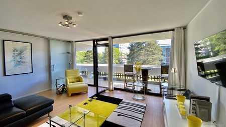 Voll möbliertes Sonnenparadies am Luitpoldpark! Ruhige, großzügige 3- Zimmerwohnung mit 2 Balkonen! in Schwabing-West (München)