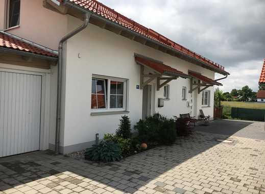 Moderne Doppelhaushälfte mit drei Zimmern und schönem Garten in Hallbergmoos