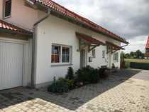 Moderne Doppelhaushälfte mit drei Zimmern