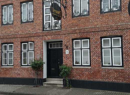 Vollständig renovierte 3-Zimmer-Wohnung mit EBK in Uetersen
