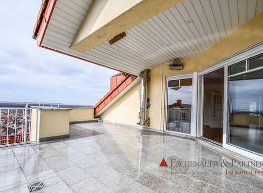 Große Dachgeschosswohnung mit hochwertiger Ausstattung und toller Dachterrasse