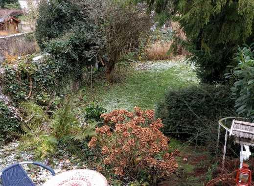 Großzügige helle 2-Zimmer-Wohnung mit eigenem Garten in sehr zentraler Lage in Aachen