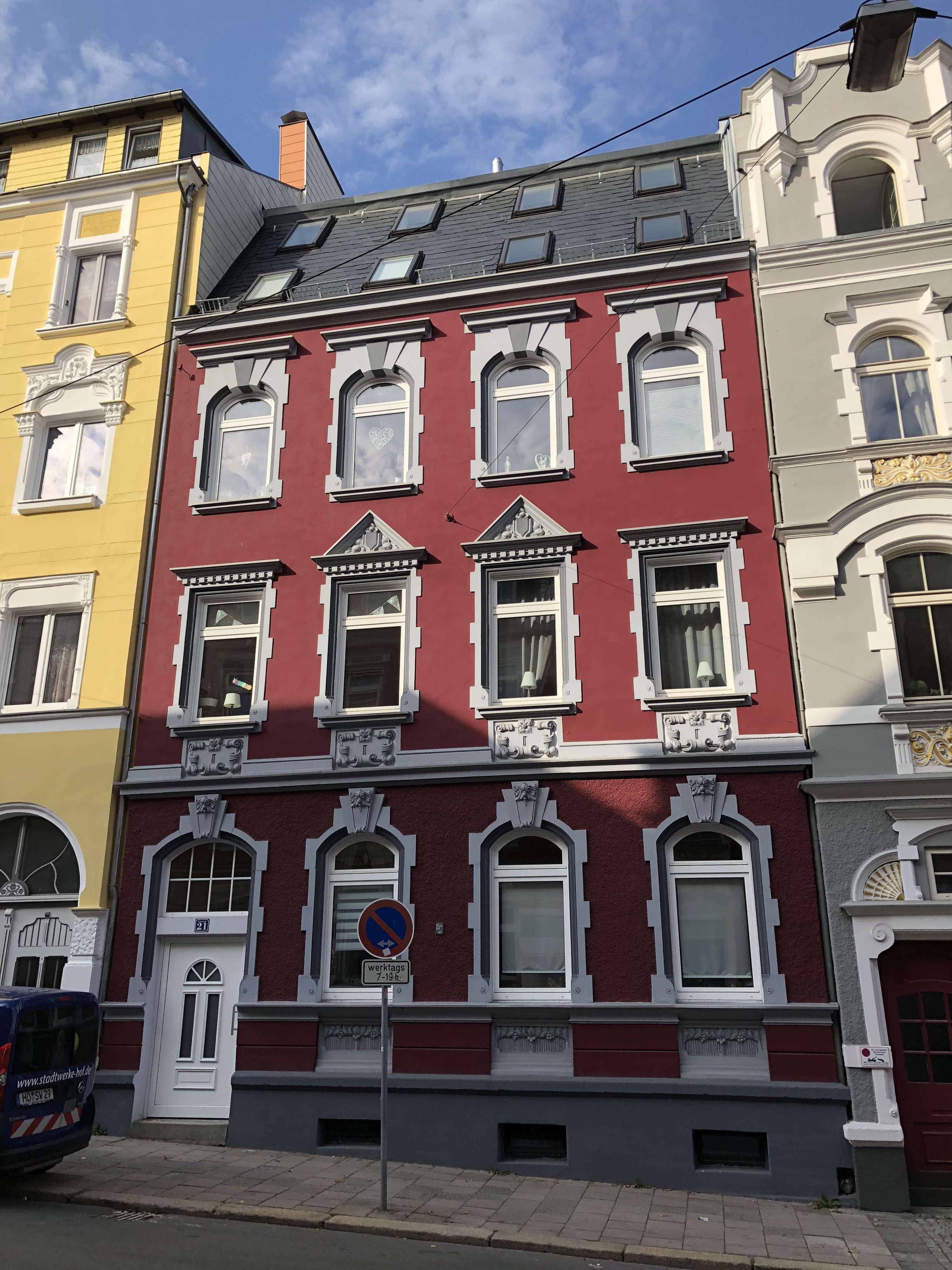 Wohnen mit (Jugend) -Stil   3- Zimmer Wohnung in kernsaniertem Altbau in Hof-Innenstadt