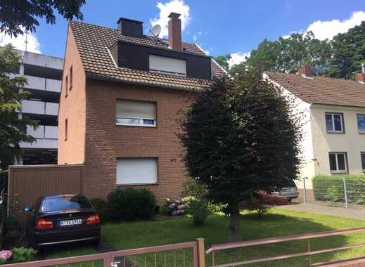 Helle, renovierte Wohnung mit Balkon, Garage und Einbauküche im Porzer Zentrum