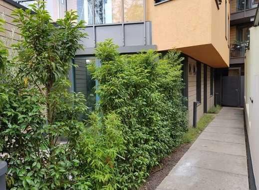 Moderne und ruhige 2-Zimmer-Neubauwohnung mit Terasse und Einbauküche in Pempelfort