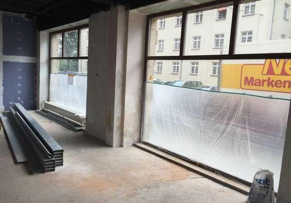 PAUL IMMOBILIEN präsentiert: Laden mit großen Schaufenstern im Hecht !! Ausbau individuell planbar!