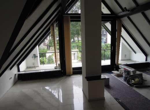 Vollständig renovierte 3-Zimmer-Maisonette-Wohnung mit Balkon und EBK in Essen