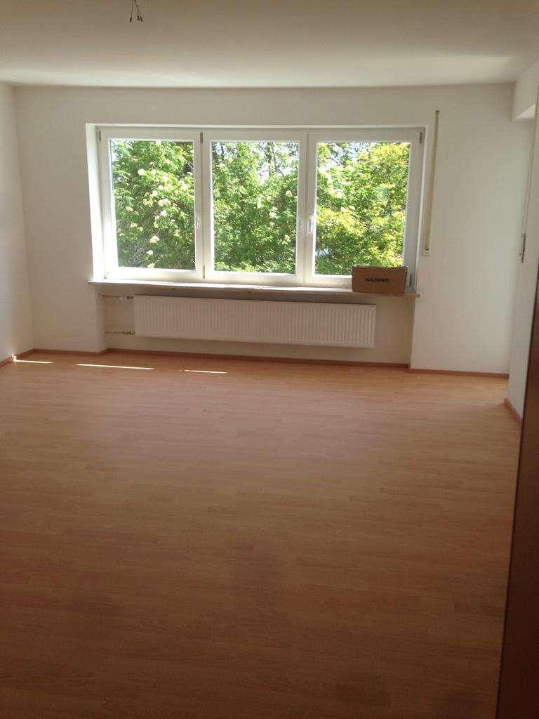 Schöne sonnige 3-Zimmer-Wohnung mit Balkon und EBK in Südwestlage zentrumsnah in Marktoberdorf