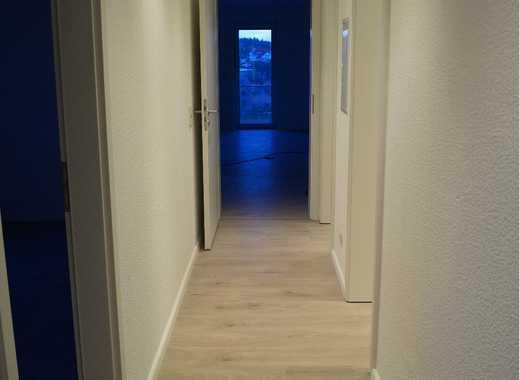Nach Komplettrenovierung! 3 Zi.-Wohnung mit Balkon ab sofort
