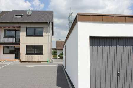 Ansprechende 2-Zimmer-Dachgeschoss-Wohnung mit Einbauküche in Mering St. Afra in Mering