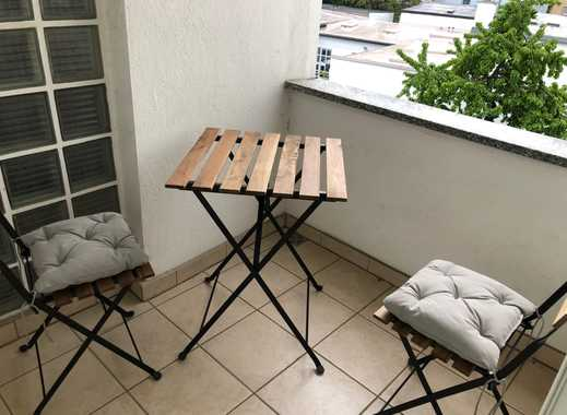 **Nordend-Ost** Großzügig geschnittenes WG Zimmer mit Balkon!