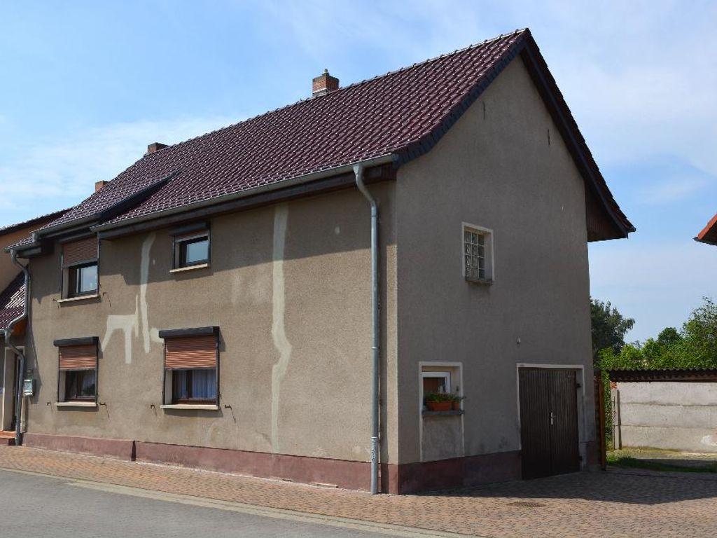 01-Wohnhaus Straßenseite