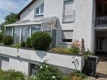 Gepflegte 6-Zimmer-Erdgeschosswohnung mit Balkon und