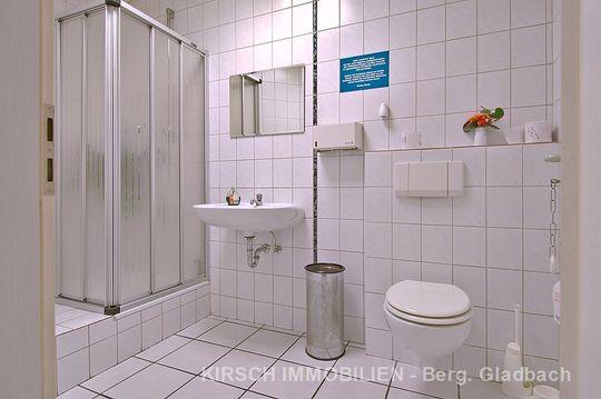 Gewerbe/ Sanitärräume