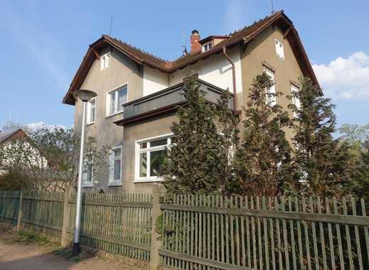 Sanierungsbedürftiges Zweifamilienhaus in absoluter Bestlage von Radebeul-Mitte!