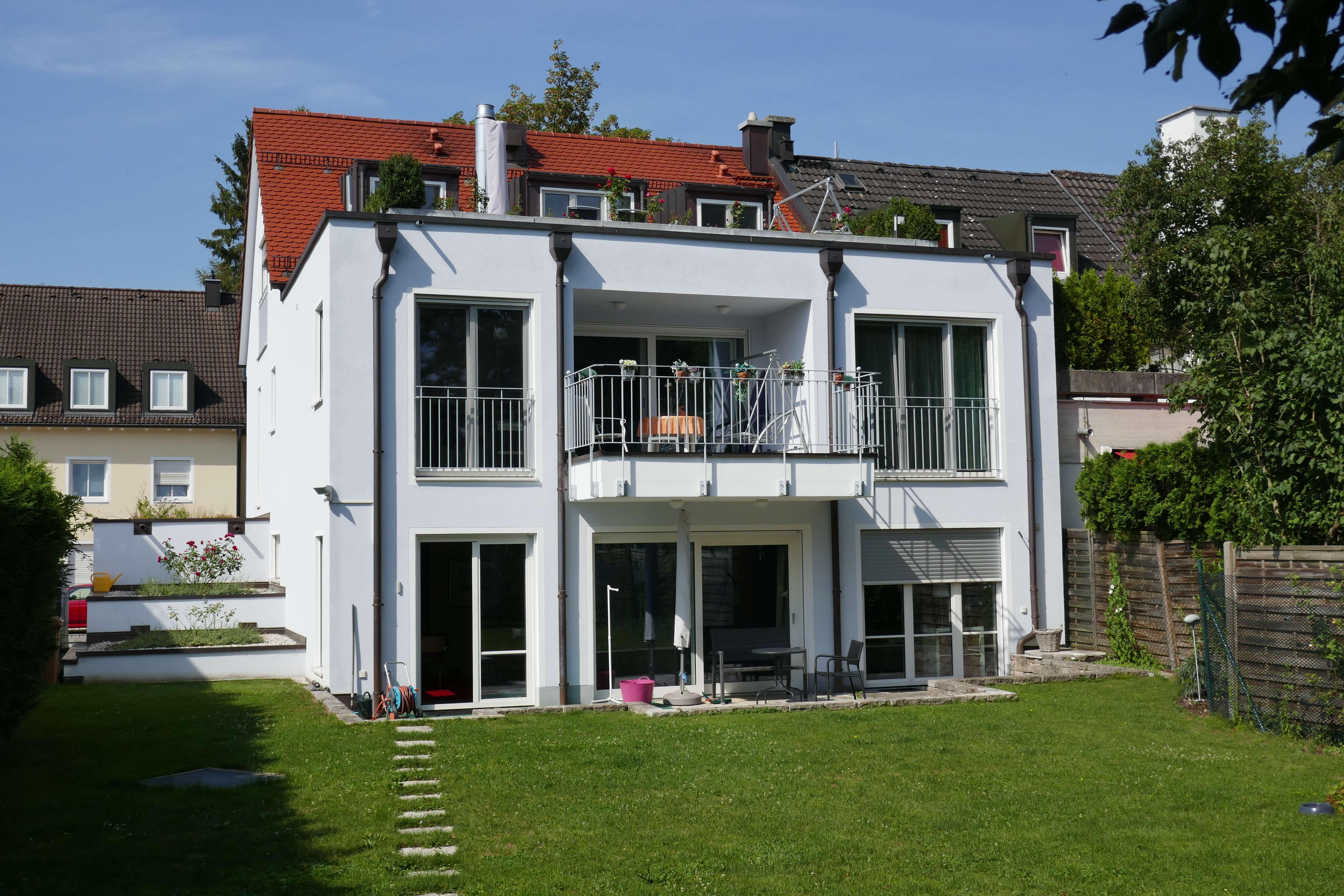 Ruhige 4-Zimmer-Gartenwohnung in 3-Familienhaus, Bestlage Harlaching in Harlaching (München)