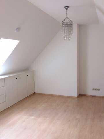 Stilvolle, vollständig renovierte 2-Zimmer-Wohnung mit Galerie und mit Balkon in der Altstadt Dachau in Dachau