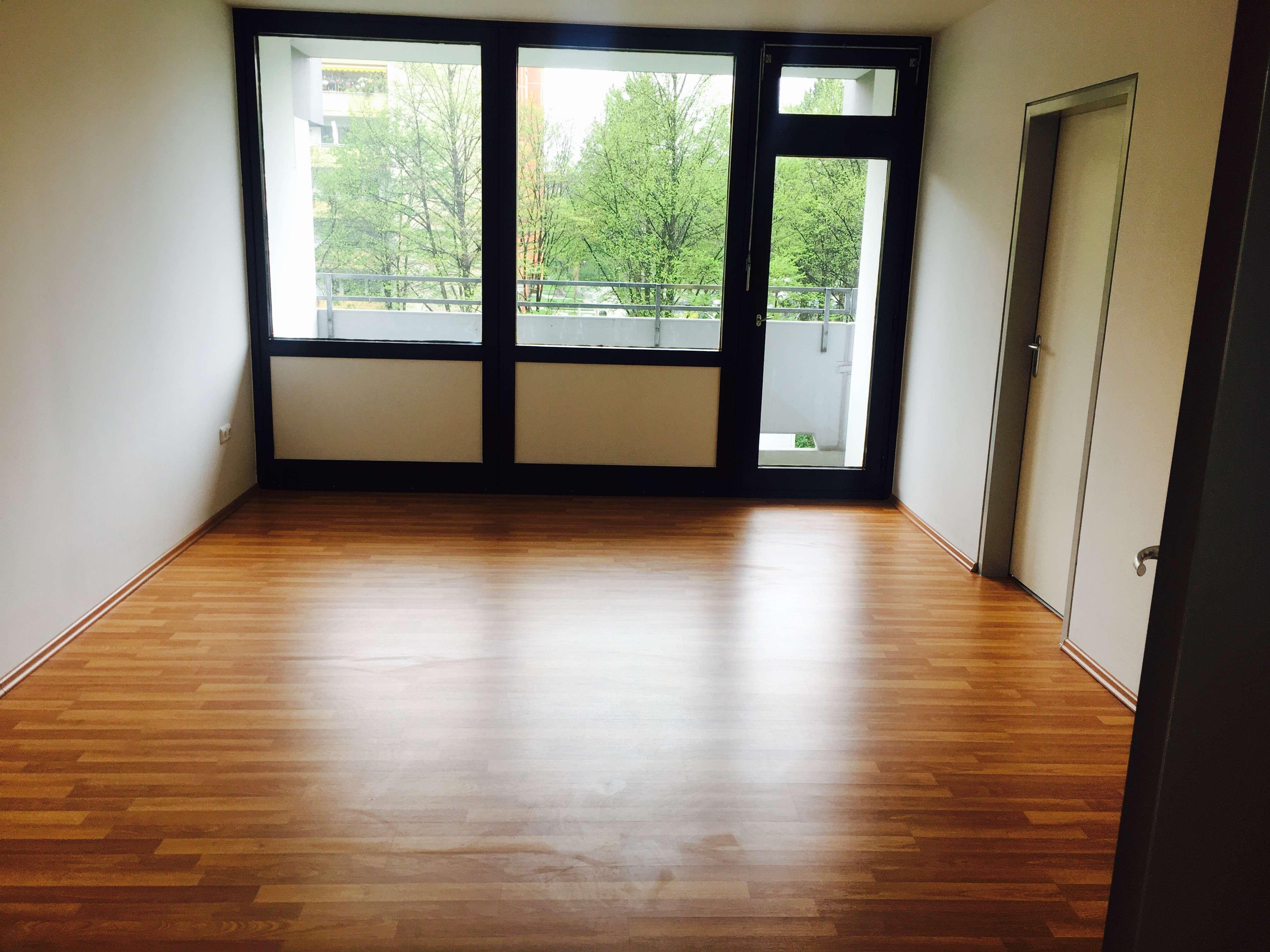 renovierte drei Zimmer Wohnung in München, Neuperlach in Perlach (München)