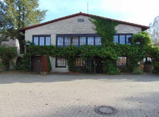 Eine attraktive Immobilie! Großzügiges lichtdurchflutetes Haus mit Einliegerwohnung oder Praxis
