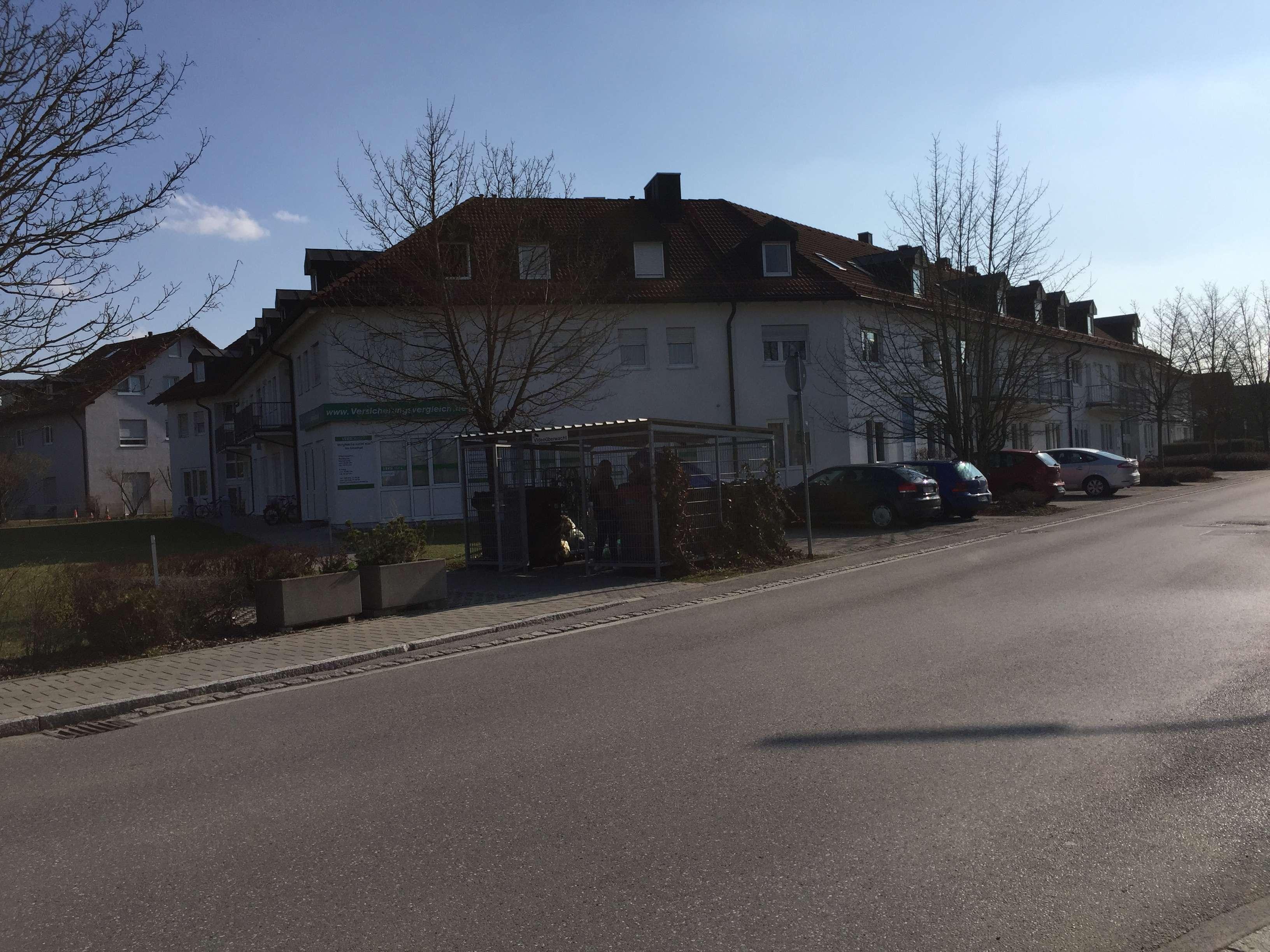 Exklusive, gepflegte 2-Zimmer-DG-Wohnung mit EBK in Gilching in Gilching (Starnberg)