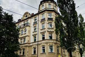 8 Zimmer Wohnung in München