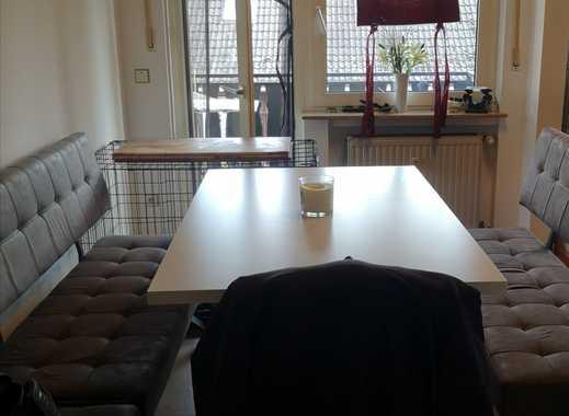 Vollständig renovierte 2-Zimmer-Wohnung mit Balkon und EBK in Trebur