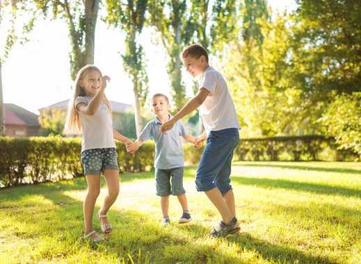 Familienidylle mit großzügigem und sonnigem Grundstück