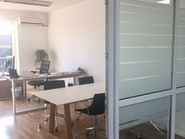 helle und funktionale Büros