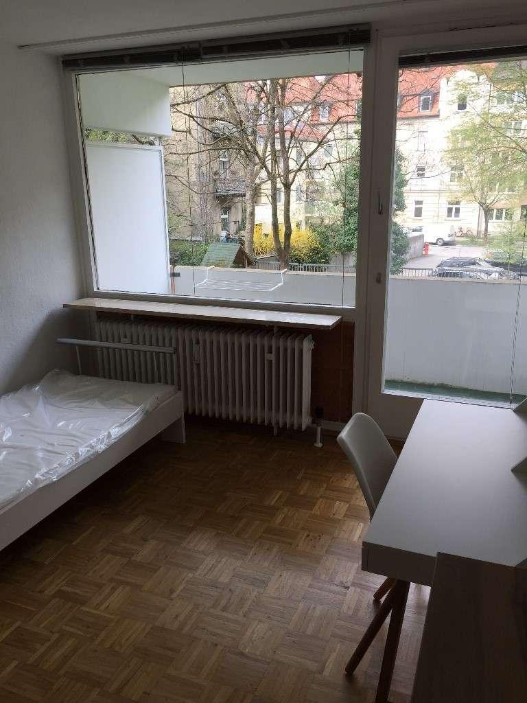 1-Zimmer-Wohnung möbliert mit Balkon in Neuhausen, München in Neuhausen (München)