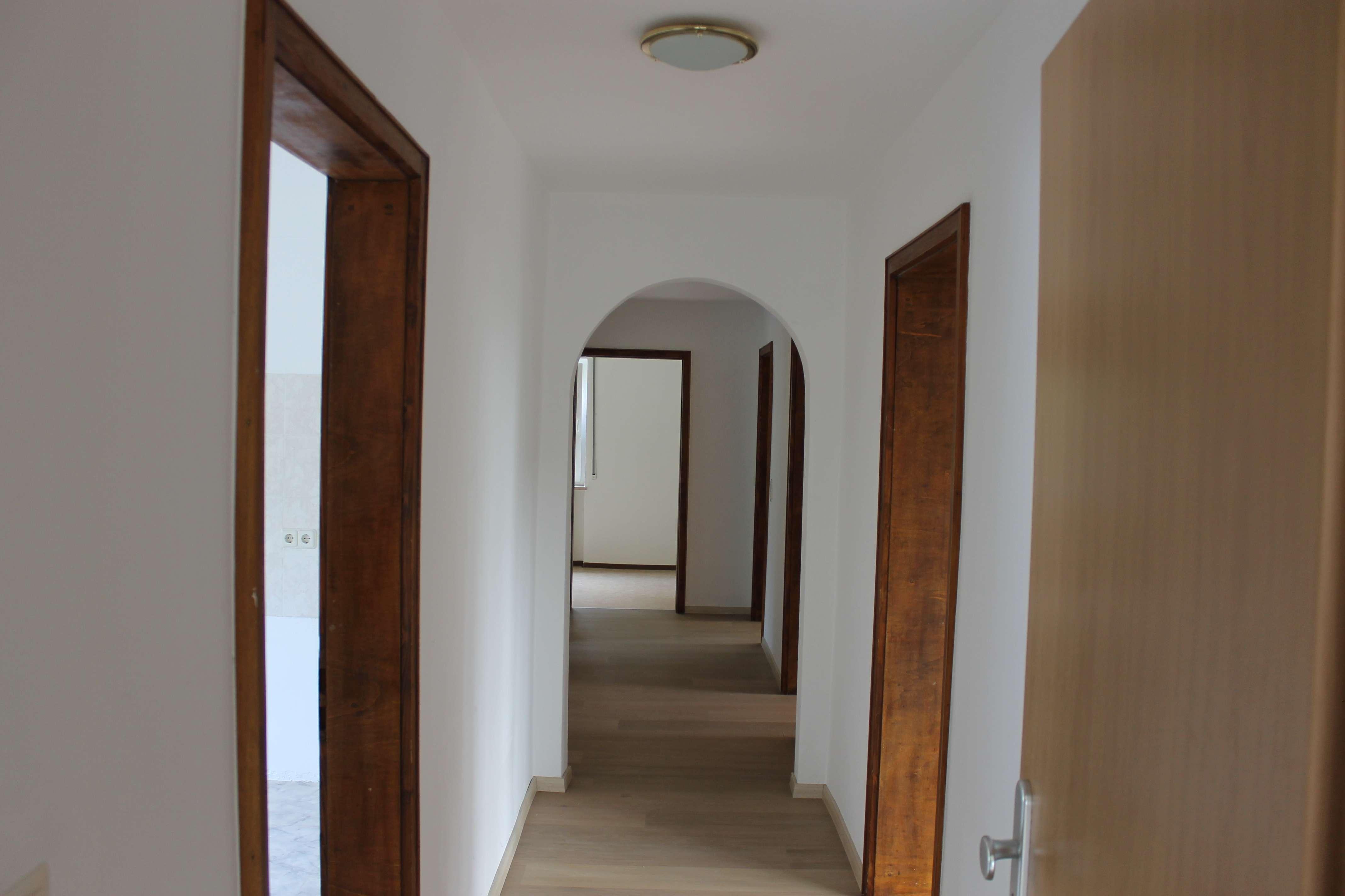 Sonnige 4-Zimmer-Wohnung mit Garage in Mühlstetten, Röttenbach, Kreis Roth in