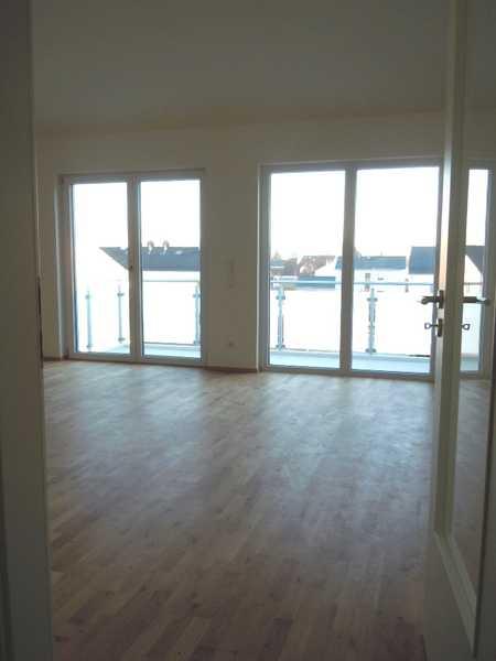 NEU - Nähe Bhf! -  4-Zimmer-DG-Whg, 106 m², hohe Räume, 2 Bäder, Lift, TG, BJ 2019,  Bezug n.Vereinb in Baar-Ebenhausen