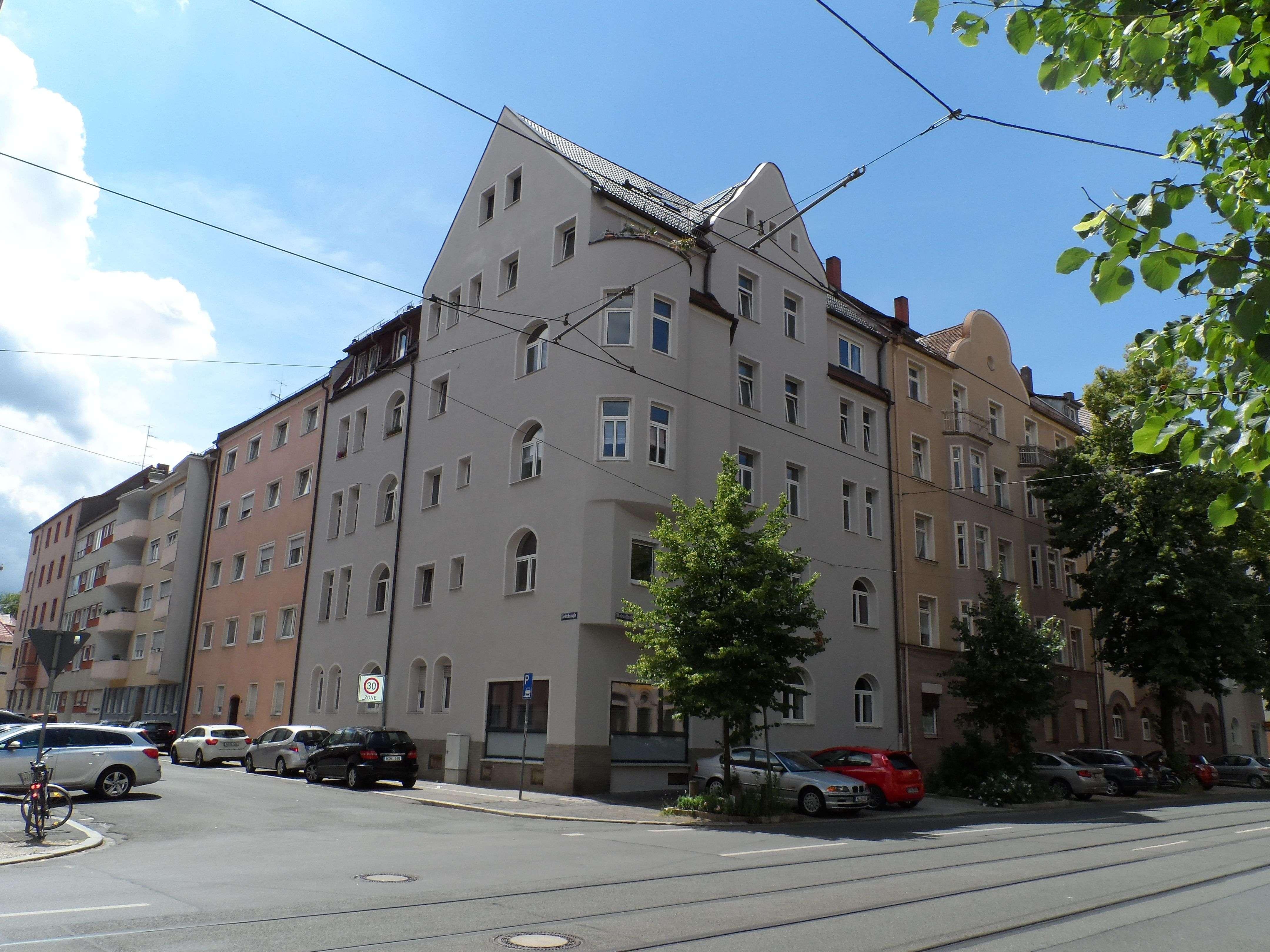 Nürnberg Nibelungenviertel: frisch sanierte 4-Zimmerwohnung, 2 Balkone, auch WG geeignet