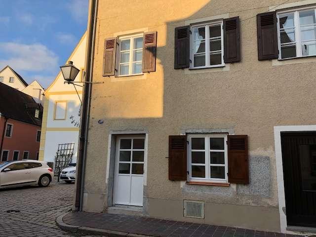 schöne, helle Altstadtwohnung , 1,5 Zimmer , Erstbezug nach Sanierung in